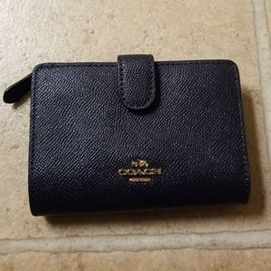 NEW Coach Small Navy Blue Classic Wallet With Zip